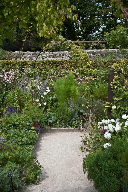 Le labyrinthe jardin des cinq sens yvoire haute savoie for Jardin 5 sens