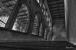 صورة قصر الجعفرية قرب Almozara. pilar ciudad palace zaragoza palacio zgz aljafería