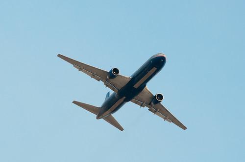 United Airlines - N667UA