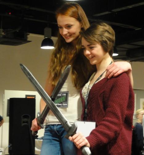 Sansa takes up needlework (DSC03435)