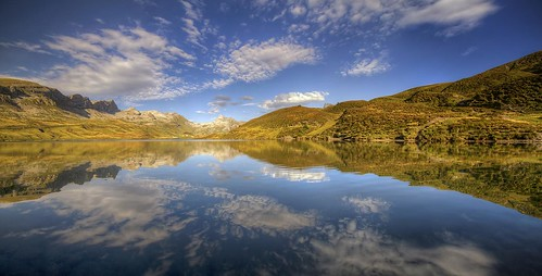 canon eos 7d sigma 1020mm hdr photomatix nature paysage landscape eau water lac lake tannen tannensee suisse melchseefrutt wideangle panorama reflets reflection sky nuages clouds philippesaire montagne mountain alpes alps switzerland swiss schweiz photo photography ciel