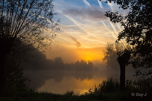 morning water sunrise landscape haze belgium belgië hazy landschappen zonsopkomst testelt sigma1850mmf28exdcmacro demervallei canoneos550d vierkensbroek