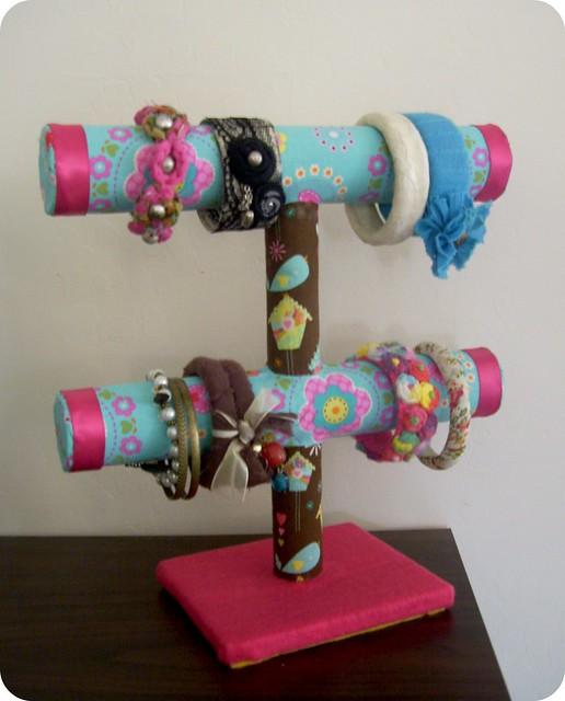 Set De Baño Reciclado:Portapulseras hecho con tubos de carton