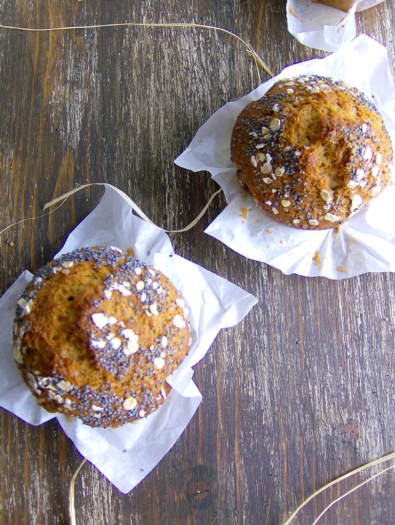 Muffins de zanahoria y nueces, semillas de amapola y avena