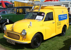 taxi(0.0), citroã«n acadiane(0.0), compact car(0.0), automobile(1.0), van(1.0), vehicle(1.0), morris minor(1.0), antique car(1.0), vintage car(1.0), land vehicle(1.0), motor vehicle(1.0), classic(1.0),