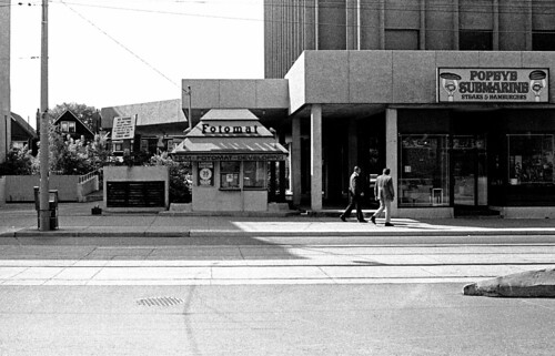 Dundas St W - October 1983