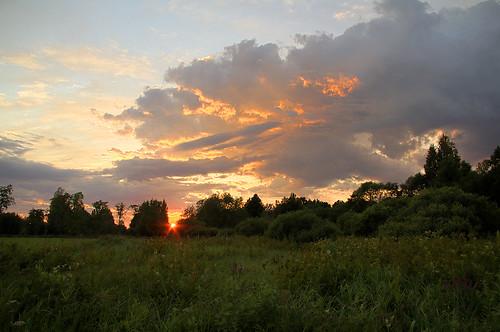 sunset sun clouds landscape estonia pentax hdr eesti päike k7 soomaa loojang maastik heinamaa pilved viljandimaa soomaanationalpark soomaarahvuspark pentaxk7 doubleniceshot tripleniceshot tipuküla