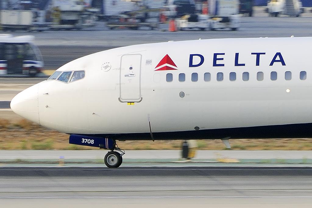 Delta Air Lines Boeing 737-832 (N378DA)