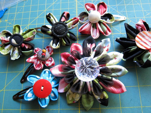 Beautiful Reader Kanzashi Ideas