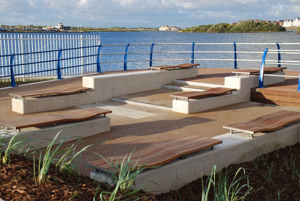 Modern hardwood urban street furniture by pendlewood.co.uk