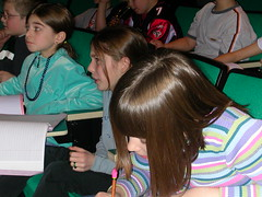 2004_RDellinger_Telepresence-students note taking