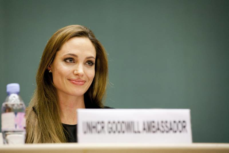 UNHCR News Story: Angelina Jolie appeals to governments to step up life-saving efforts in the Horn of Africa