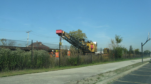 Metra M.O.W track work.  Glenview Illinois USA. October 2011. by Eddie from Chicago