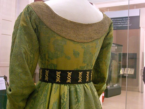 Mary of Burgundy's gown - back closeup
