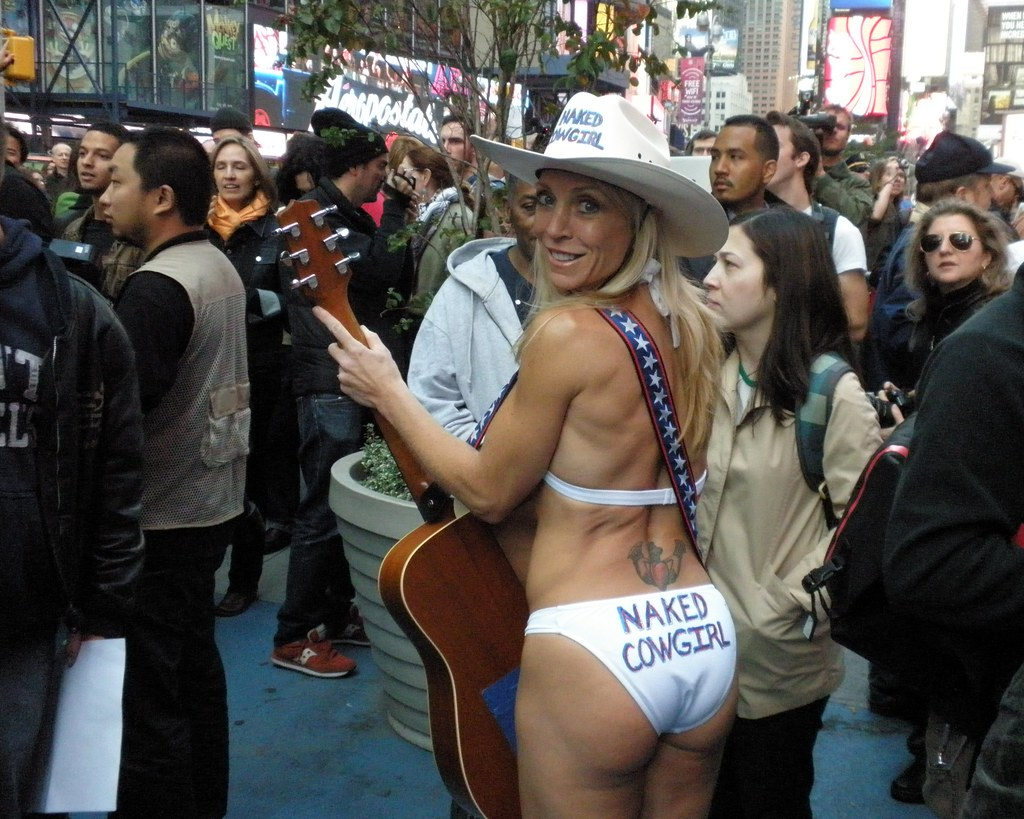 naked-streetgirls