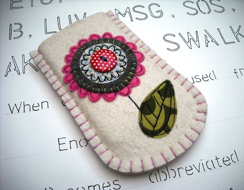 Flower Felt Gadget Sleeve