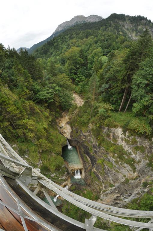 Garganta y cascadas bajo el Puente de María (Marienbruecke) schwangau, la villa de los castillos reales de ensueño - 6178444854 4743e0f33a o - Schwangau, La villa de los Castillos Reales de ensueño