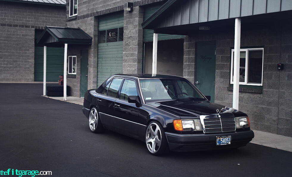 Image gallery slammed w124 for Mercedes benz 1986 e300