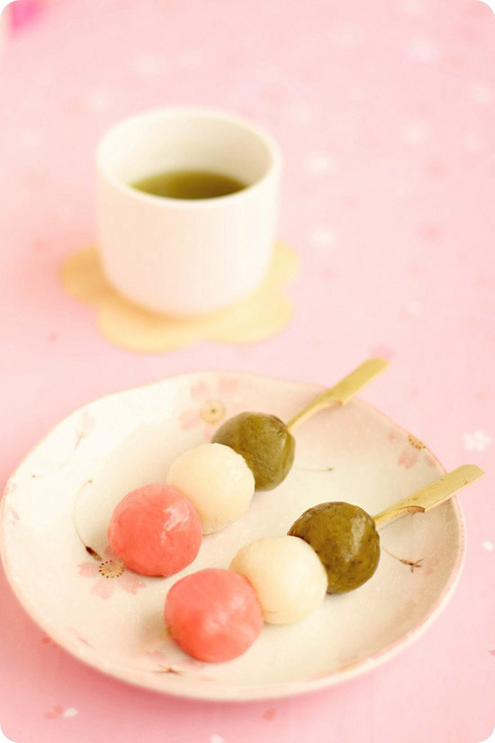 Hanami dango evan 39 s kitchen ramblings for Asian cuisine dessert