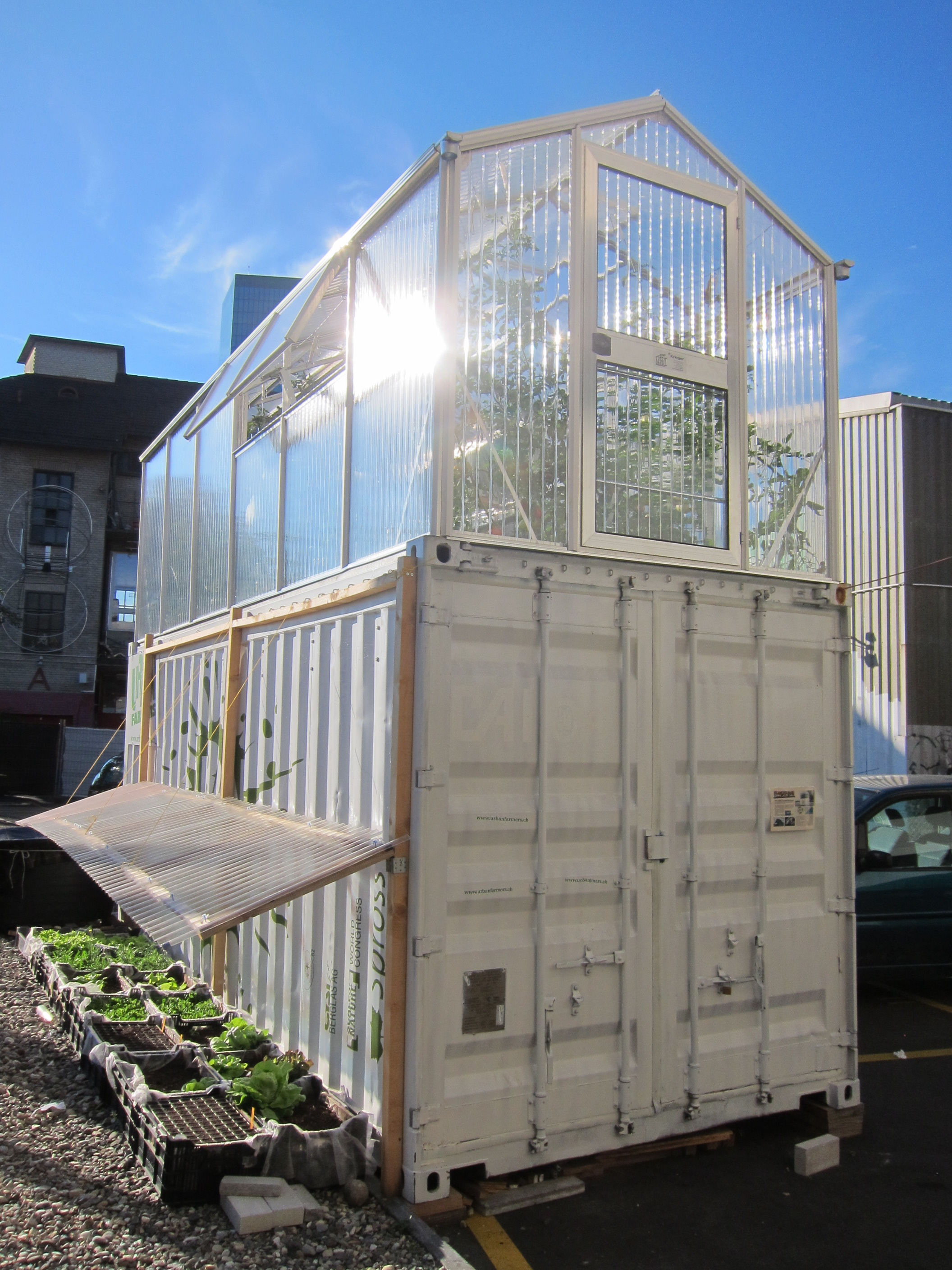 Urban farmers box at the hub zurich by eekim flickr photo sharing for Craigslist eugene farm and garden