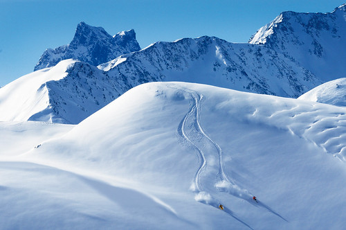 Off-piste skiing in St. Anton