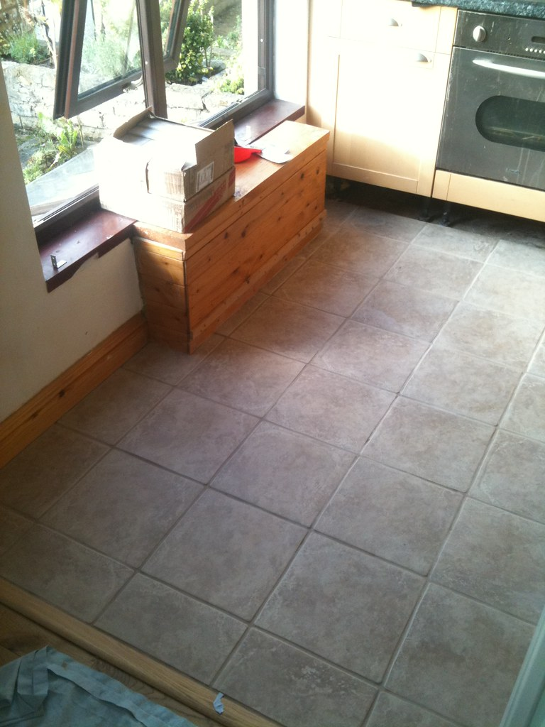 FLOOR TILE COST FLOOR TILE 8X8 CERAMIC FLOOR TILE