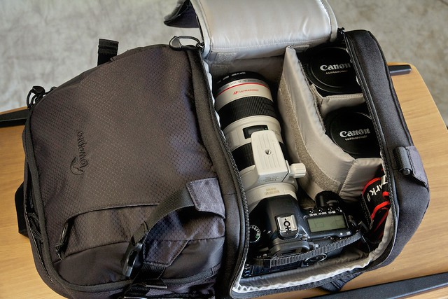 Canon 5D + Lowepro Fastpack 250 Backpack