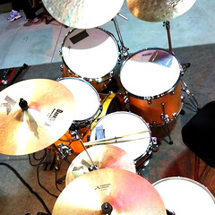 bass drum(0.0), drummer(0.0), hand drum(0.0), timbales(0.0), electronic instrument(0.0), tom-tom drum(1.0), percussion(1.0), timbale(1.0), electronic drum(1.0), drums(1.0), drum(1.0), skin-head percussion instrument(1.0),