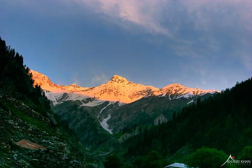 blue light sky sun snow mountains green sunrise glorious valley treens