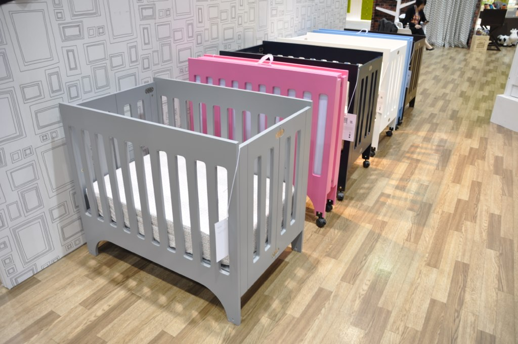 Babylettos Grayson Mini Crib In A Variety Of Colors Flickr