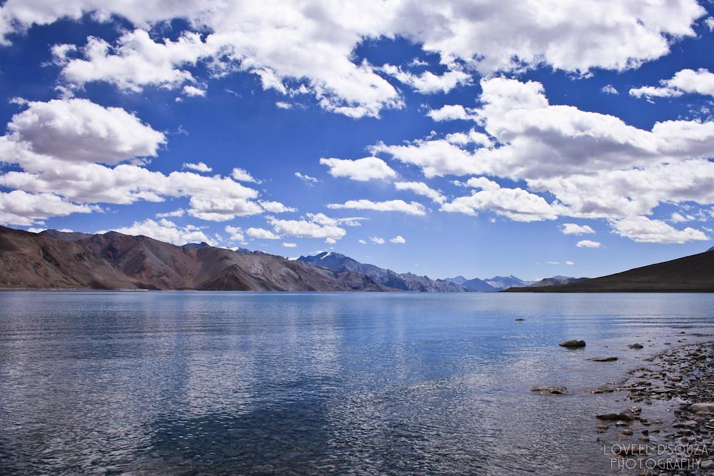 To Pangong Tso (Lake)