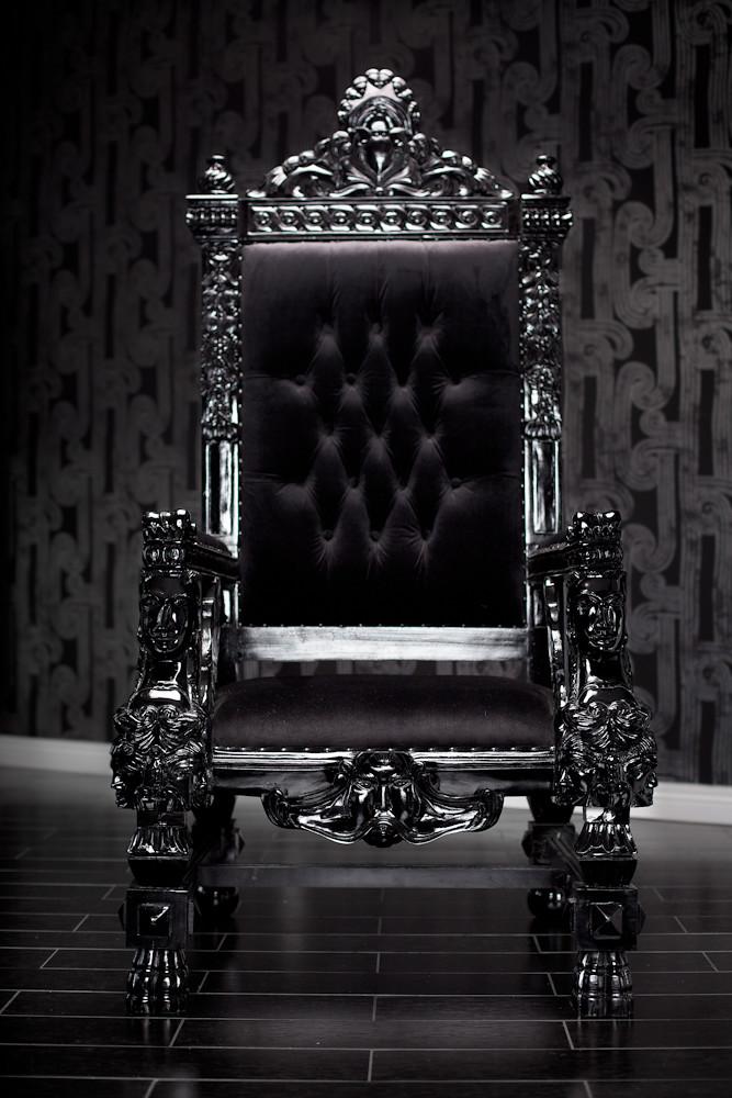 4061 BLACK LACQUER BAROQUE THRONE CHAIR