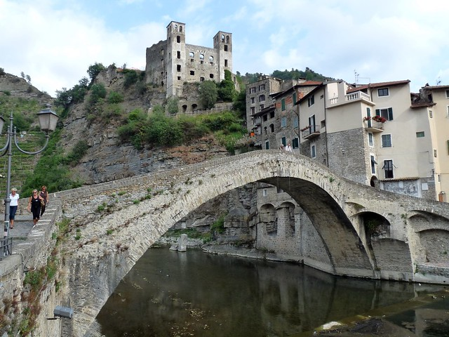 Dolceacqua: The castle and the bridge over the Nervia (Explored on 03/10/2011, best # 128)