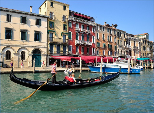 Venice : Gondola on the Grand Canal
