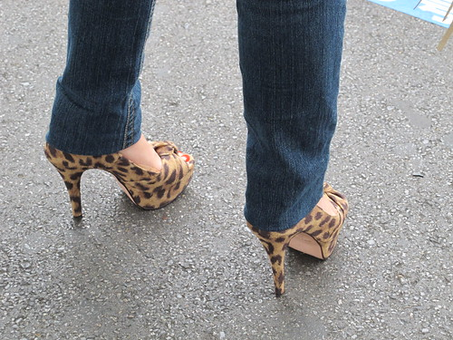 leopard shoes, red toenails