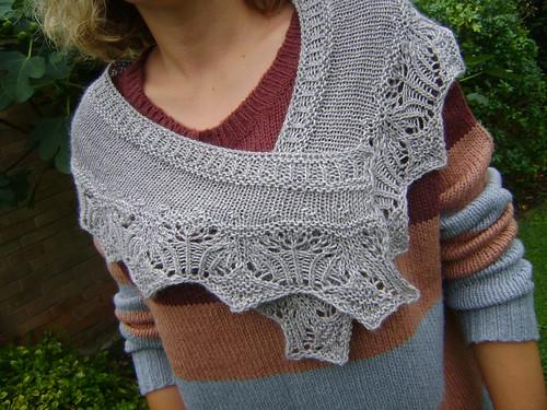 Knitting Goddess : Coop knits rosaleen shawl