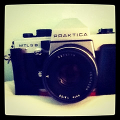 instant camera(0.0), cameras & optics(1.0), digital camera(1.0), camera(1.0), camera lens(1.0),