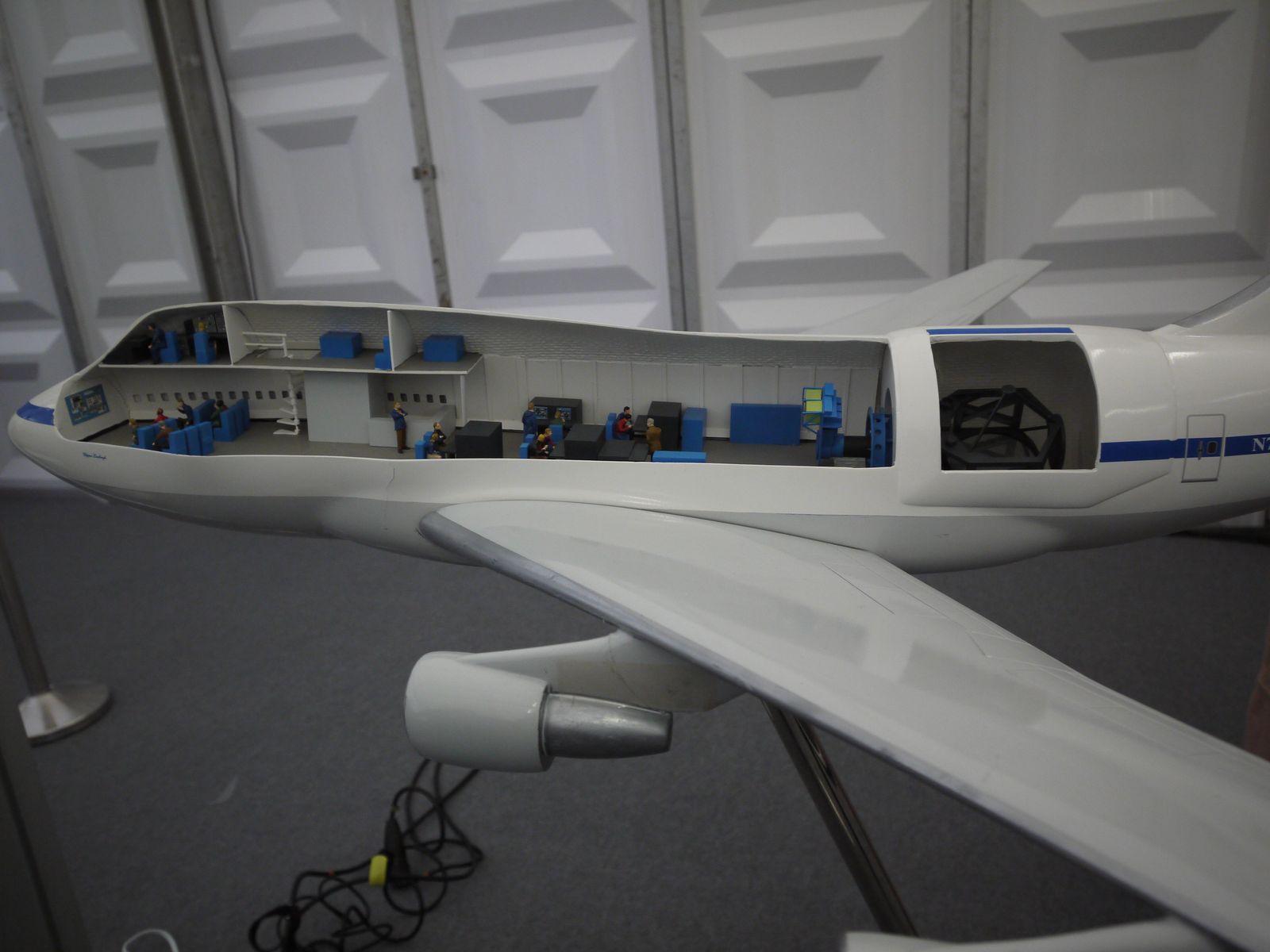 Spacetweetup le jour j cap sur l 39 espace for Interieur 747 cargo