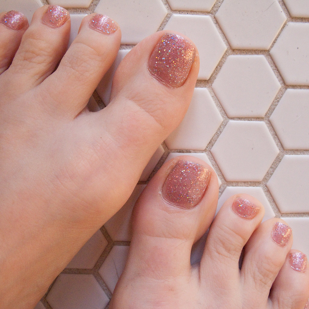 Remarkable katy perry toes