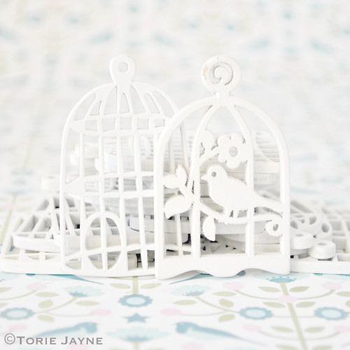 Wooden flower birdcage pendants
