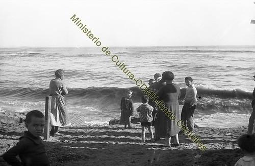 Playa del Somorrostro,  foto Agustí Centelles, (c) Ministerio de Cultura, CDMH, todos los derechos reservados by Octavi Centelles