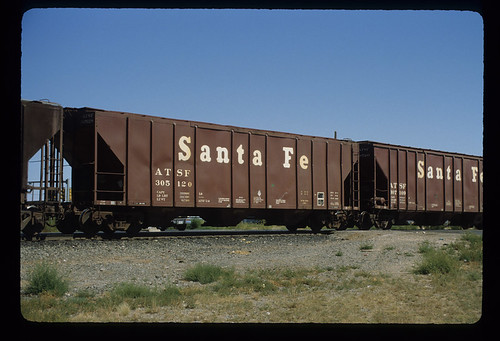 6243997659 4bbeb32570 ATSF 305120; Class GA 151, 49 Covered 3 Bay Center Flow Hopper Car; Pullman Standard Car Manufacturing Co., 1965; Freight Car; September 1983