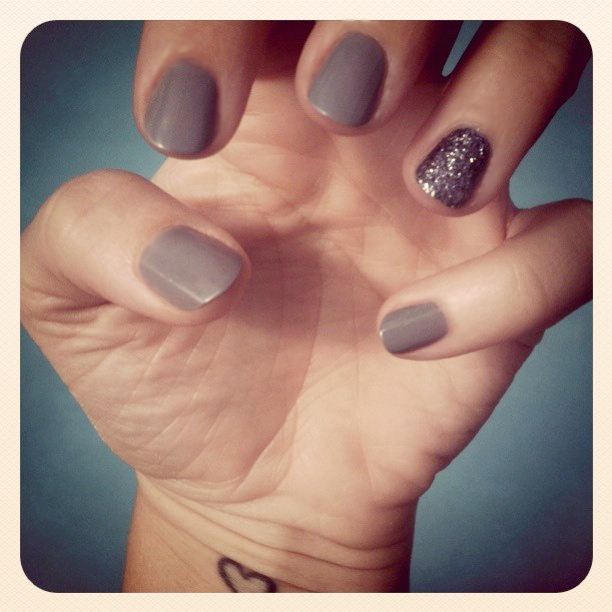 transitioning into fall gray hematite glitter nails. Black Bedroom Furniture Sets. Home Design Ideas