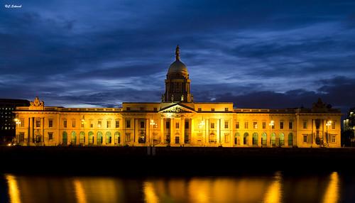 ireland dublin architecture cityscape dusk 100v10f irland architektur bluehour nikkor crépuscule 1224 irlande customhouse d7000