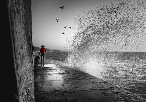 bw white black sunrise waves devon splash dawlish