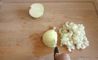 14 - Zwiebel würfeln
