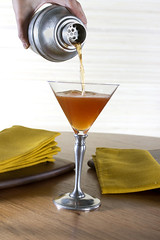 Cocktail Pour