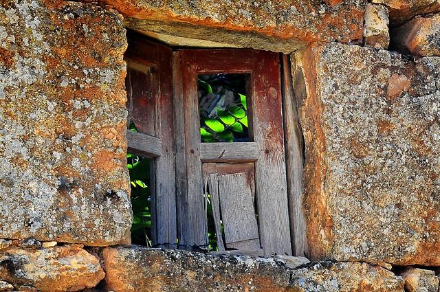Luz tras la ventana ( cerca de Sigüenza) sin tratamiento  Light through the window (near Sigüenza) without treatment