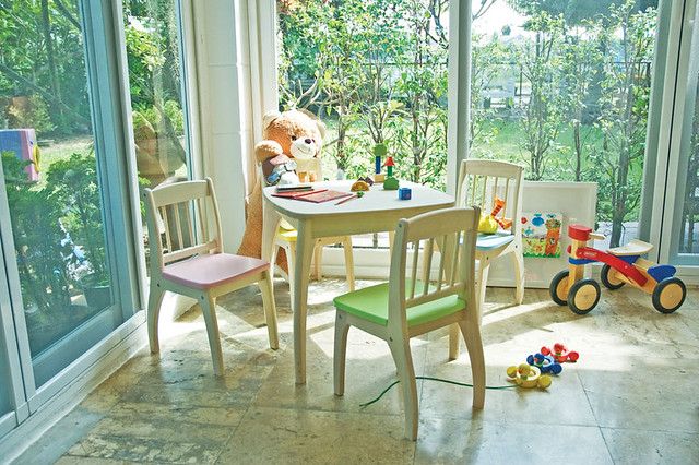 Junior table and Chairs set