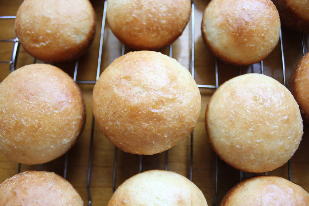 freshly-baked hamburger buns IMG_1871